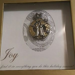 xx Jewelry - NWB Xmas Joy pin.